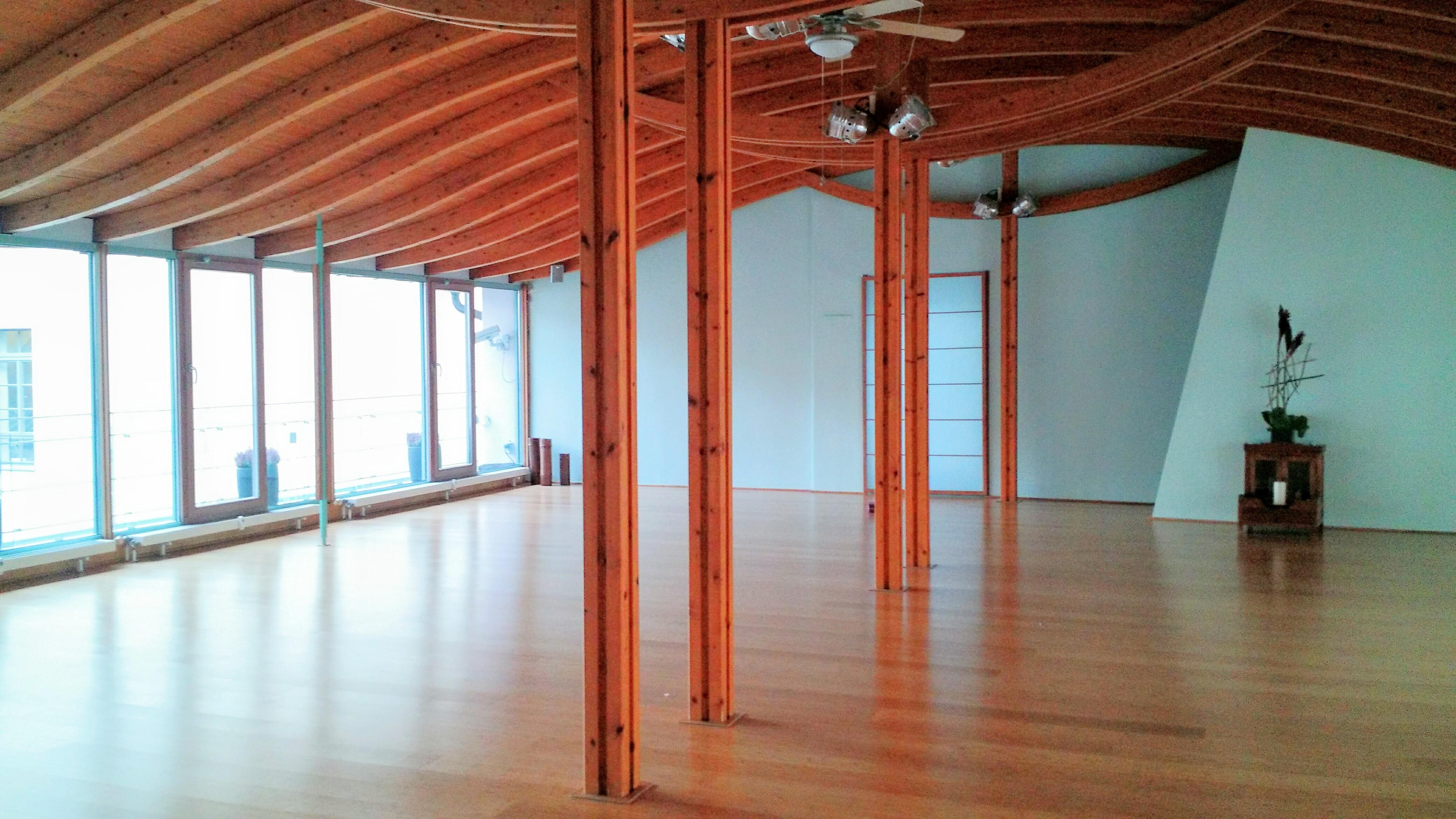spirit yoga berlin mitte review lena mendez. Black Bedroom Furniture Sets. Home Design Ideas